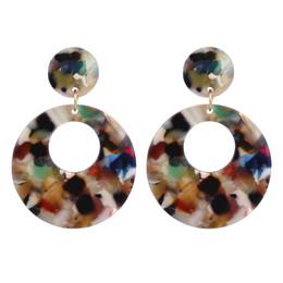 Großhandel Bunte Böhmische Ethnische Leopardenmuster Acryl Mix Farbe Geometrische Runde Lange Tropfen Baumeln Ohrringe Für Frauen Modeschmuck CE507