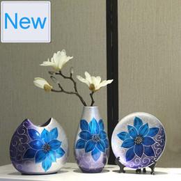 $enCountryForm.capitalKeyWord Australia - 3pcs set Creative Ceramic Vase Hand Painted Antique Porcelain Flower With Vase For Flowers Wedding Decoration Home Decor Moderno