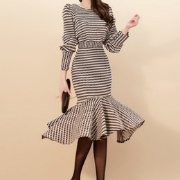 $enCountryForm.capitalKeyWord Australia - Spring Women Lattice Elegant 2-piece Suits Korean Puff Sleeve Grid Crop Top & Mermaid Bodycon Slim Waist Skirt Ol Set Q190507