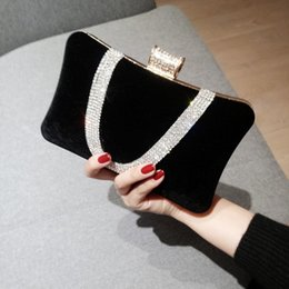 $enCountryForm.capitalKeyWord NZ - 2019 new hand-made rhinestone high-end velvet large-capacity female hand banquet dinner diagonal cross-course dinner chain bag
