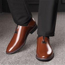 Formal Shoes Men's Shoes Coiffeur Patent Leather Loafers Men Business Shoes Wedding Shoes Men Elegant Italian Shoes Men Classic Sepatu Slip On Pria Bona