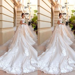 $enCountryForm.capitalKeyWord NZ - Elegant Ball Gown Wedding Dresses Lace Applique Wedding Dress Sweep Trail Wedding Dress Bridal Gowns Short Sleeve robe de mariée