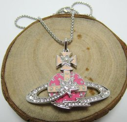 Western European Queen Mother Vivienne Fashion Pink Meteor Inlaid Pearl Diamond Saturn Necklace