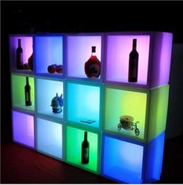 venda por atacado Venda quente LED Mobiliário À Prova D 'Água Caso de Exposição de LED 40CMX40CMX40CM Colorido Colorido Recarregável Gabinete Bar KTV Decorações De Partido Discoteca