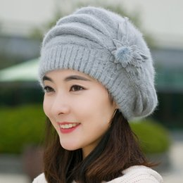 3bbbbf7ba77 Women s Warm Berets Fashion Womens Flower Knit Crochet Beanie Hat Winter Warm  Cap Beret Gebreide wollen hoed  502