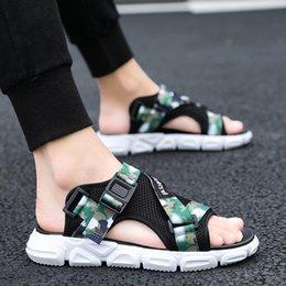 $enCountryForm.capitalKeyWord Australia - New Classics Style Men Sandals Outdoor Walking Summer Shoes Anti-Slippery Beach Shoes Men Comfortable Soft Free Shipping