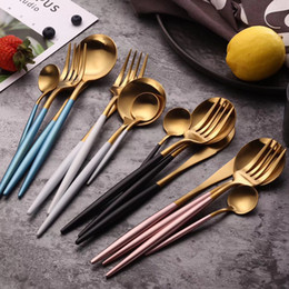 $enCountryForm.capitalKeyWord Australia - Wholesale 16 Pcs Stainless Steel Gold Cutlery Kitchen Stuff Accessories Fork Spoon Folding Knife Dining Dinner Tableware Set Y19061901