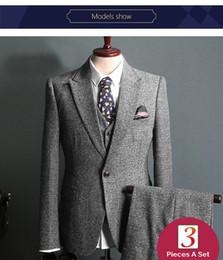 $enCountryForm.capitalKeyWord Australia - Designer suits Gentleman 3 piece suit Grid texture high quality fabric Designer suits for mens business suit s fashion Dress suits for men d