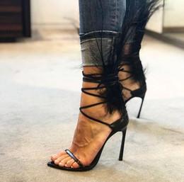 Marka Tasarımcısı Siyah Tüy Yüksek Topuklar Sandalet Kadınlar Dantel Askı Ayak Bileği Toka Gladyatör Sandalet Yaz Bayanlar Elbise Ayakkabı ... indirimde