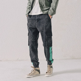 jeans cargo Australia - European Fashion Streetwear Men Jeans Stripe Designer Big Pocket Denim Cargo Pants Harem Trousers Hip Hop Jeans Men Joggers
