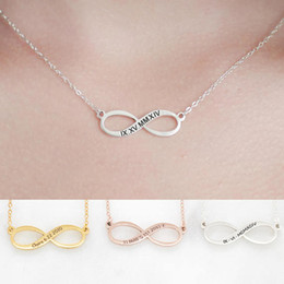 Wholesale FYN223 Classic Design Fashion Hot Selling Custom Family Sisters Name Charms Personalized Infinity Necklace for Women Jewelry