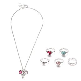 Trendy Christmas Gifts Australia - Trendy Rhinestone Heart shape Ring Necklace Luxury Fashion Women Jewelry Knuckle Rings Charms Jewelry Set Christmas Gifts Hot