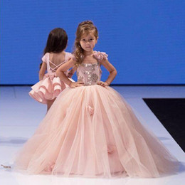 flower girls age UK - Cute Pink Ball Gown Kids Pageant Dress Flower Girl with Handmade Flowers for Girls Aged 3 -11 Years