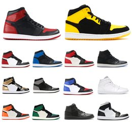 Duck shoes women online shopping - 2019 Mens Women GOLD TOE OG New Love Basketball Shoes Game Royal Banned Shadow Bred Mandarin duck Sneakers High Quality With Box