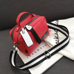 $enCountryForm.capitalKeyWord Australia - Large Capacity Luxury Handbags Women Bags Designer Double Zipper Solid Color Bags Women Hot Sale Black Small Square bag F02