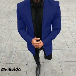 Ingrosso 2019 New Fashion Designer Gentlemens Trench Coat Uomo lungo Cappotto Autunno Inverno monopetto antivento Slim trench Uomo Plus Size