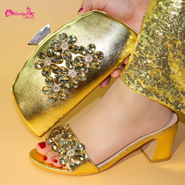 $enCountryForm.capitalKeyWord Australia - New Arrival African Wedding Shoes and Bag Set Decorated with Rhinestone Italian Shoes with Matching Bags Women Shoes and Bag Set