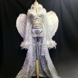 white feather costume wings 2019 - Custom Made female singer costume new atmosphere nightclub white full diamond feather wings model catwalk dj opening che