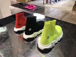 primavera nuevos zapatos del niño botas al aire libre de la escuela de los muchachos planas niñas transpirable calcetín elástico de los calzados informales de las zapatillas de deporte en venta