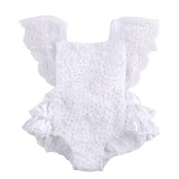 Wholesale Tirred Cotton Bow Cute White Rompers Infant Baby Girl Clothes Lace Floral Ruffles Baby Girl Romper Cake Sunsuit Outfits