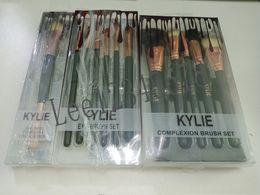 Makeup tool kit sets online shopping - hot Kylie black makeup brushes cosmetics Complexion Brush Set Eyeshadow Palettes Foudation Makeup Brushes High Tech Make Up Tools kit