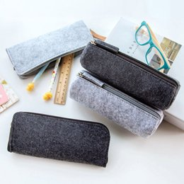 $enCountryForm.capitalKeyWord Australia - Fashion Round Square Felt Makeup Cosmetic Bag Brush Pen Pencil Case Pouch Box Portable Multifunction Travel Cosmetic Bag Lady