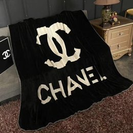 Wholesale Thicken Winter X Letter Blanket Fashion Simple Black Brand Design Flannel Blanket Luxury Tide Air Conditioning Rugs Blanket