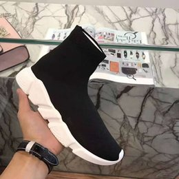 Wholesale Designer Speed Fashion Men s and Women s Socks Boots Black White Blue Red Sequins Flat Men s Sneakers Sneakers Running Casual Shoes
