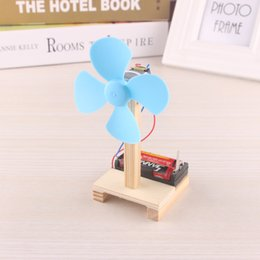 $enCountryForm.capitalKeyWord Australia - Manual assembly for small electric fan toy with and technological production and self-made simple and simple physical experiment