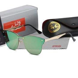 Toptan satış 2019 Lüks-Yüksek Kalite Klasik Pilot Güneş Tasarımcı Marka Mens Womens Güneş Gözlükleri Gözlük kutusu ile Metal Cam Lensler