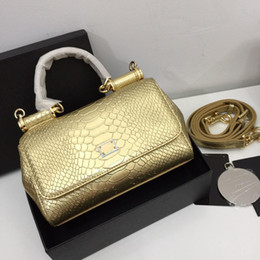 $enCountryForm.capitalKeyWord Australia - Bright gold crocodile leather shoulder bag cool style ladies high quality and cheap crossbody bag convenient protection big capacity bags