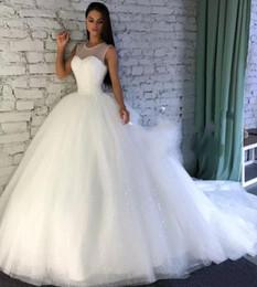 10a2135c7a5d Sparkling Abiti da sposa Ball Gown 2019 Sheer Jewel Neck Paillettes Puffy  Arabo Dubai Formal Church Abiti da sposa Plus Size