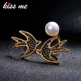 $enCountryForm.capitalKeyWord Australia - Gold Color Rings For Women Chic Fashion Simulated Pearl Cubic Zirconia Bird Wedding Ring Party