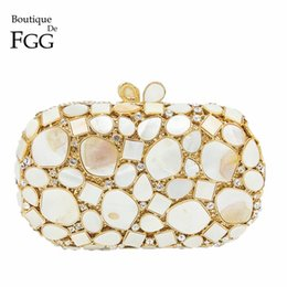 white bridal clutches NZ - Boutique De FGG Natural Shell Women Luxury Crystal Evening Bags Bridal White Wedding Clutch Bag Party Minaudiere Handbag Purse CJ191209