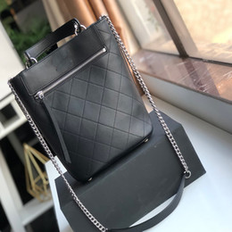 Big Chains Australia - Designer bags Luxury Lastest women Plain Chain Diamond Lattice Genuine Leather Big Shopping Bag casual totes