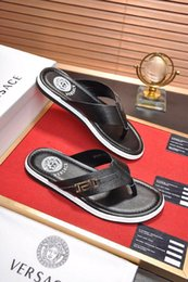 $enCountryForm.capitalKeyWord Australia - Top Quality VersaceMen's designer slippers sandals clip feet flip style print Slide Sandal Flip Flops Sandals With Original Box 33