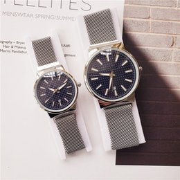 $enCountryForm.capitalKeyWord Australia - 2019 New Hot New Women 31mm Men 40mm New Fashion Simple Couple Wristwatch Man And Woman Watches Stainless Steel Band Gift Clock