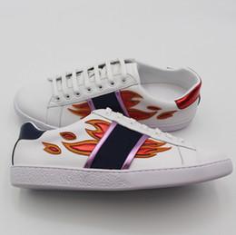 f87ca651409 Zapatos casuales de los hombres Moda Nuevas zapatillas de deporte blancas Zapato  cómodo de las mujeres Zapatillas de deporte Chunky Calzado para hombres ...