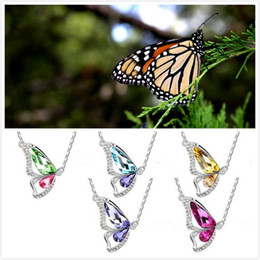 Wholesale HOT Sale Korean dancing butterfly pendant crystal pendant necklaces boutiques foreign trade sources women jewelry DHL free ship