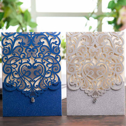 rhinestone wedding invitation cards UK - Wishmade 50PCS Glitter Laser Cut Wedding Invitations with Rhinestone Lace Hollow Heart Invites Cards for Birthday Party Favor