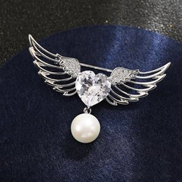 $enCountryForm.capitalKeyWord Australia - Gorgeous Classic Temperament Copper Brooch Angel Wings Pearl Brooch Pin Backpack Dress Jewelry Accessories High Quality