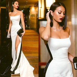 Satin mermaid evening dreSSeS StrapleSS Sexy online shopping - Modest Black and White Evening Dresses Strapless High Side Split Sexy Long Prom Party Formal Gowns