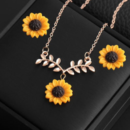 Lemon neckLace online shopping - Sunflower Jewelry Set Necklace Yellow Sunflower Pendant Glass Picture Party Jewelry Flower Leaf Chokeres Necklaces