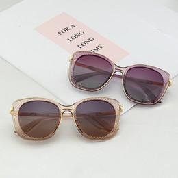 bf7d275360 Nueva tendencia de moda versión coreana gafas de sol polarizadas señoras  gafas de sol deportes al aire libre conduciendo gafas de sol gafas de  hombre ...