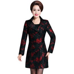 6xl clothing UK - Haute coutur Trench coat for women 6XL New 2019 women coat plus-size Printed lace Classic coats Fashion Middle age clothing 4462