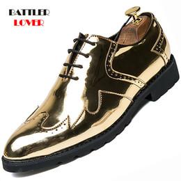 Leather Shoes Brogues Australia - Men Gold Patent Leather Oxfords Shoe Genuine Leather Classic Business Brogue Shoes Men's Formal Shoe Bullock Dress Wedding Shoes