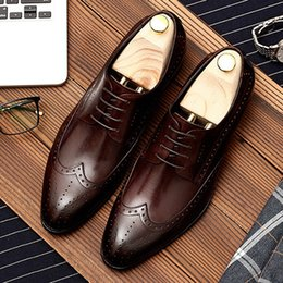 $enCountryForm.capitalKeyWord Australia - High Quality Pointed Toe Laces Man Formal Dress Shoes Full Grain Leather Men's Business Office Wingtip Brogue Footwear DM128