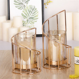 Wholesale Golden Iron Candle Holder European geometric Candlestick Romantic Crystal Candle Cup Home Decoration Table Decoration T200617