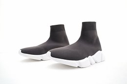 China 2019 HOT New Paris Speed Runner Knit Sock Shoes Original Luxury Trainer Runner Sneakers Race Mens Women Sports Shoes With box 36-45 suppliers