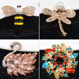 $enCountryForm.capitalKeyWord Australia - Customizable cross-border hot style clothing bees drip brooch pearl acrylic brooches accessories brooch support to drawing